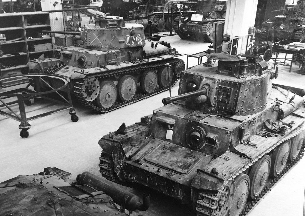Stridsvagn m/41 SII i P3:s verkstäder, april 1945