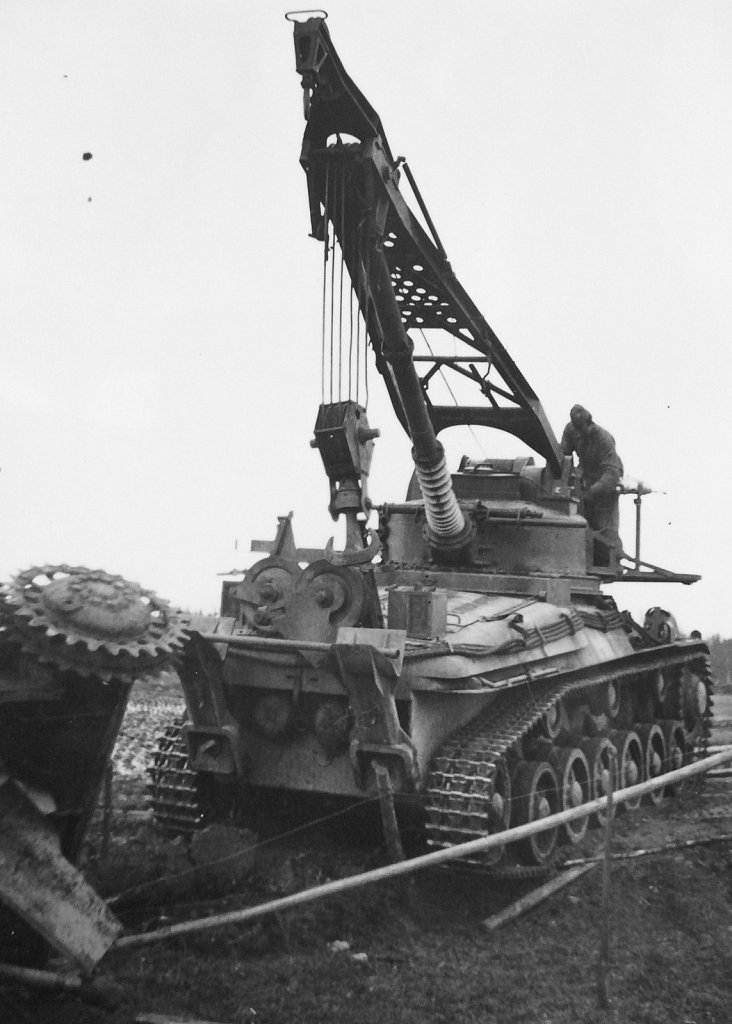 Bärgningsbandvagn m/42 ur P2, Småland, november 1944