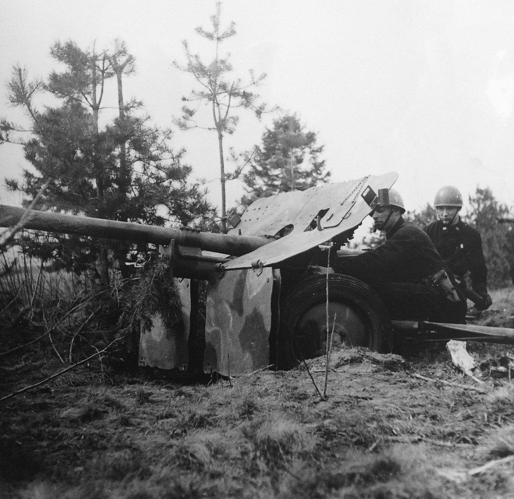 57 mm pvkan m/43, Kråk, april 1946