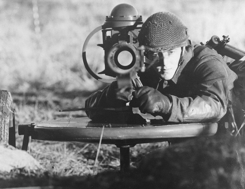9 cm pvpj 1110, InfSS Rosersberg, november 1957