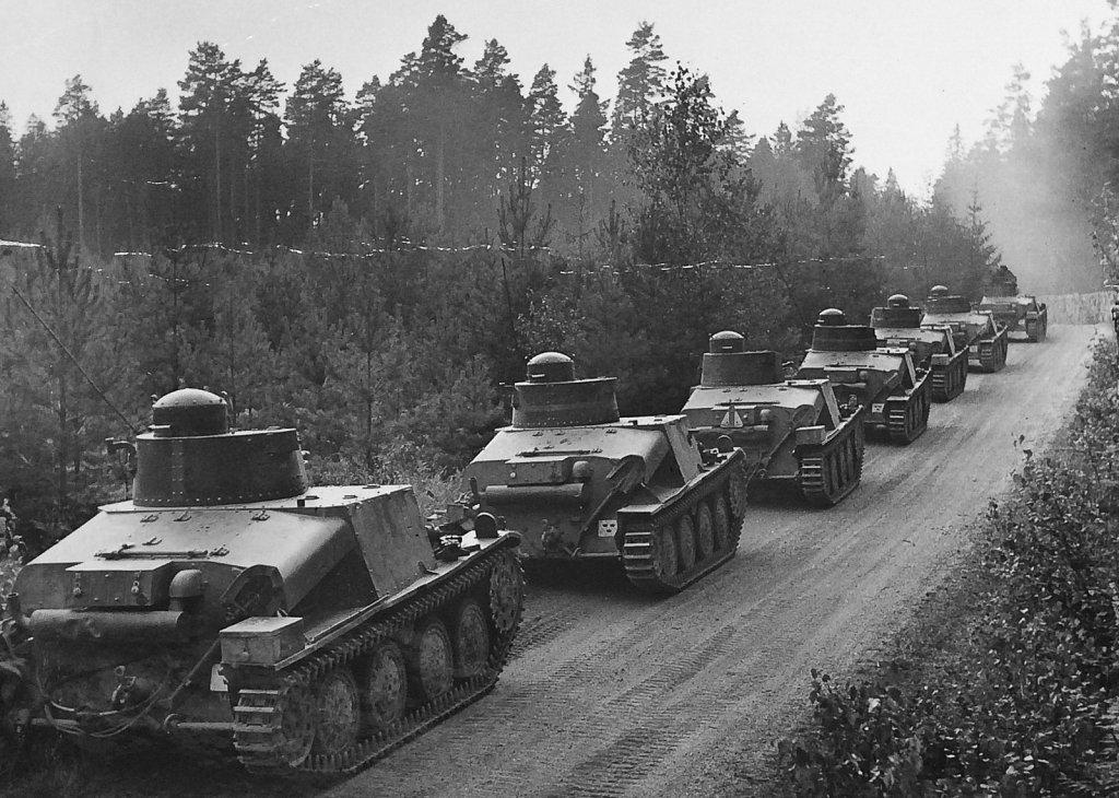 Lansvägsförflyttning med strv m/37 ur I 10/P 3, augusti 1942